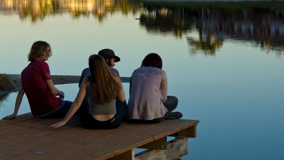 Människor på brygga. Foto: Petra Bensted/Flickr/CC BY 2.0