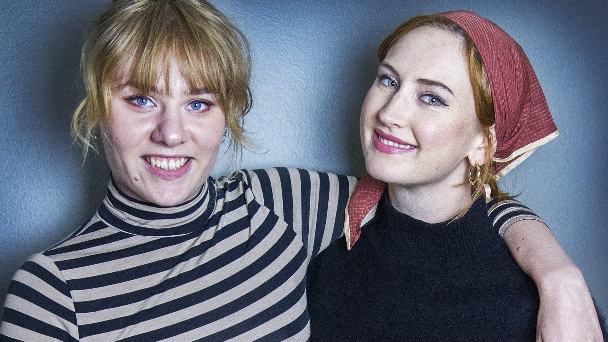 Ester och Linn pratar om sexställningar tillsammans med Isabelle Hambe.