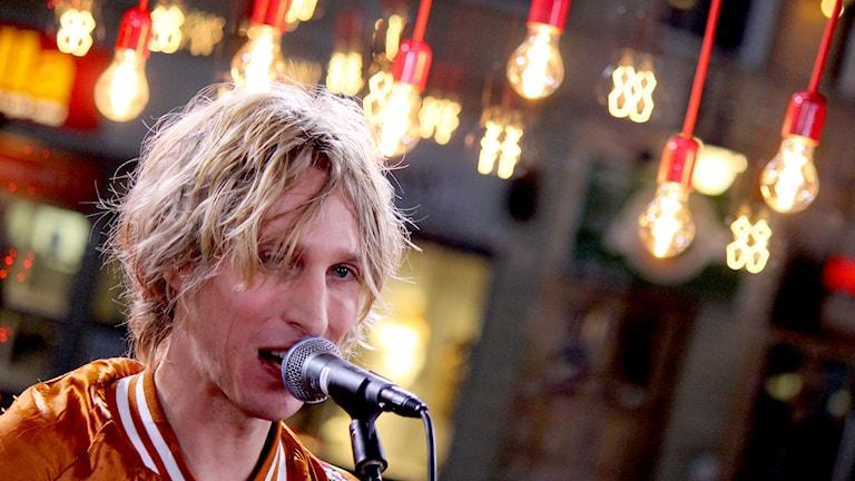 Love Antell spelar i Musikhjälpen 2014