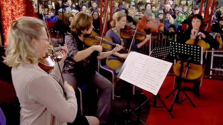 Sveriges Radios symfoniorkester spelar live i Musikhjälpen 2014