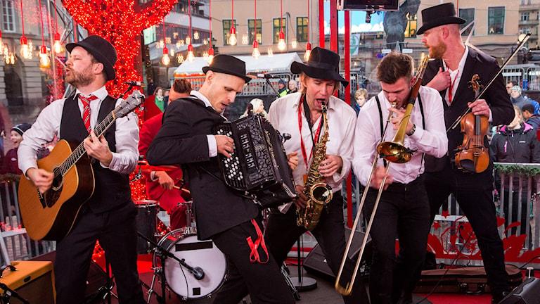 Räfven spelar i Musikhjälpen 2015
