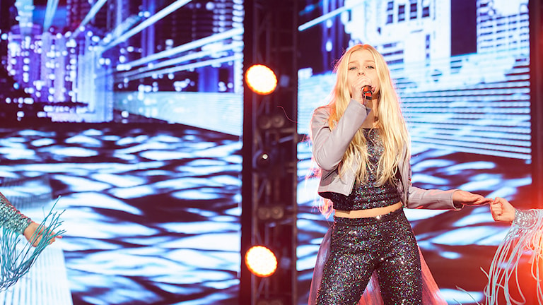 Julia Kedhammar på Eurovisionscenen på Malta. Foto: Elena Volotova / Maria Mifsud/Junior Eurovision