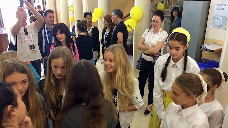 Julia Kedhammar besöker en flickskola på Malta. Foto: Kim Ohlsson/Sveriges Radio