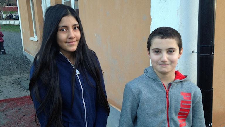 Annelie Cuadros och Daniel Touma på Botkyrka friskola. Foto: Matilda Kihlberg/Sveriges Radio