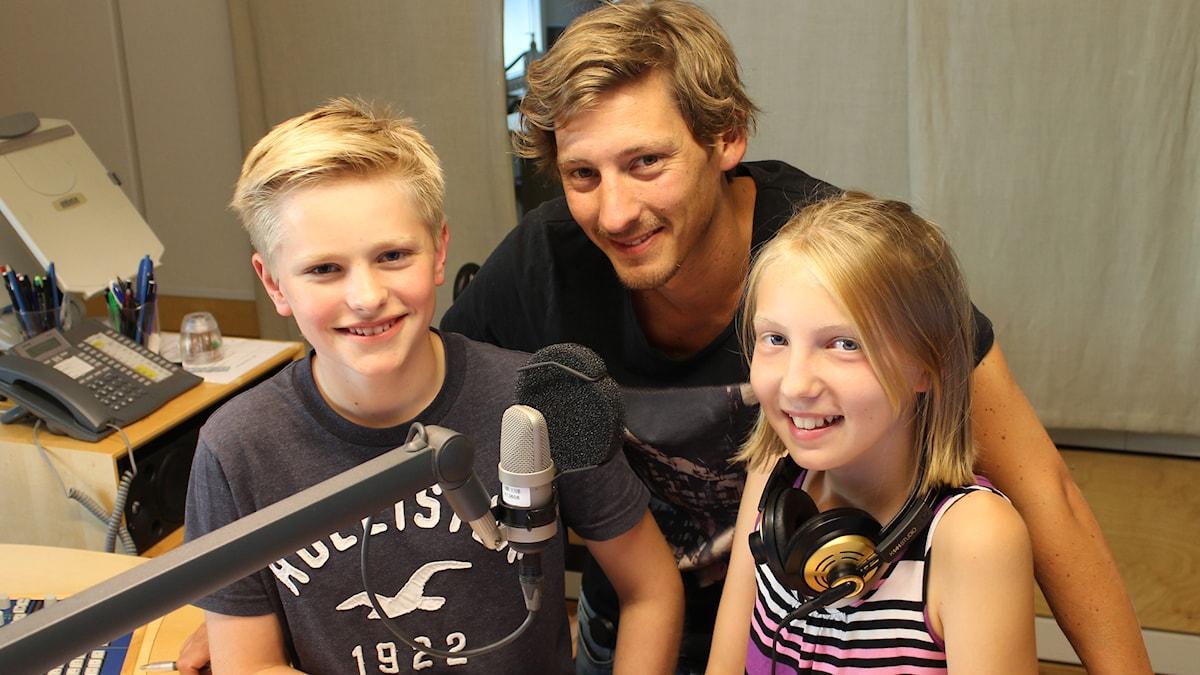 Albin, Kim och Minna i studion. Foto: Niclas Albertsson/Sveriges Radio