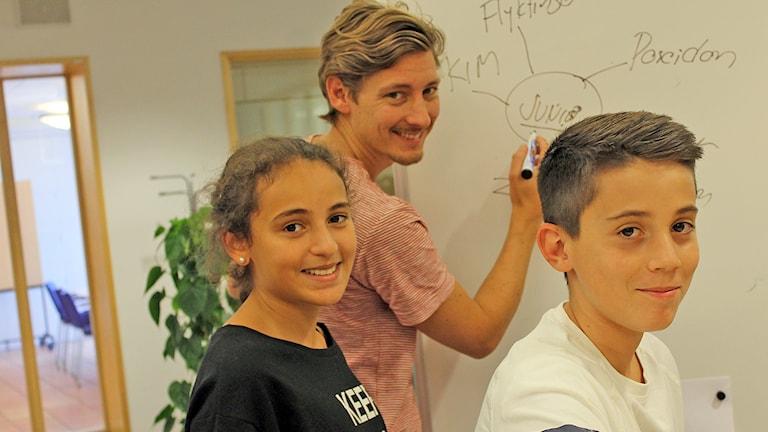 Mariem, Kim och Mensur. Foto: Niclas Albertsson/Sveriges Radio