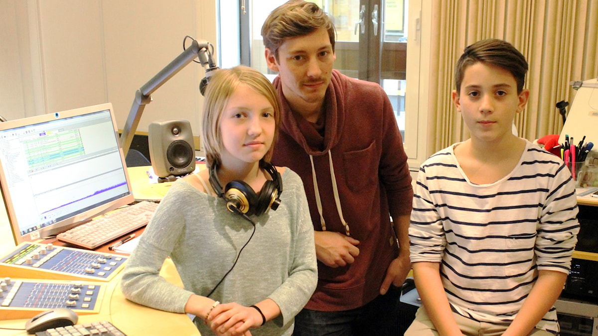 Minna, Kim och Mesnur i studion. Foto: Anneli Koskinen