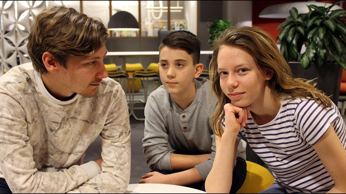 Kim, Mensur och Emma från Junior i P4.