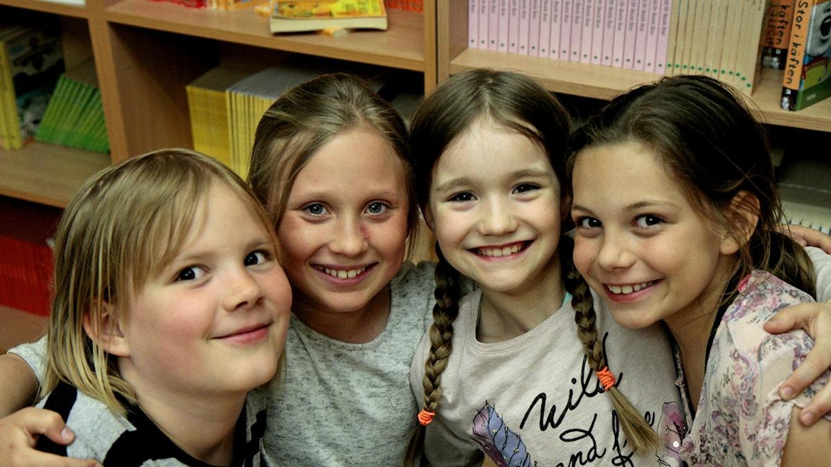 Ronja, Elina, Sofia ja Amelia.
