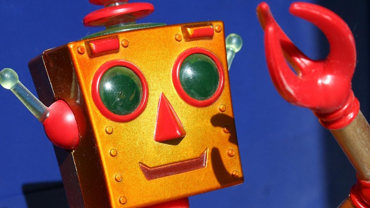 Aurinko häikäisee robottia