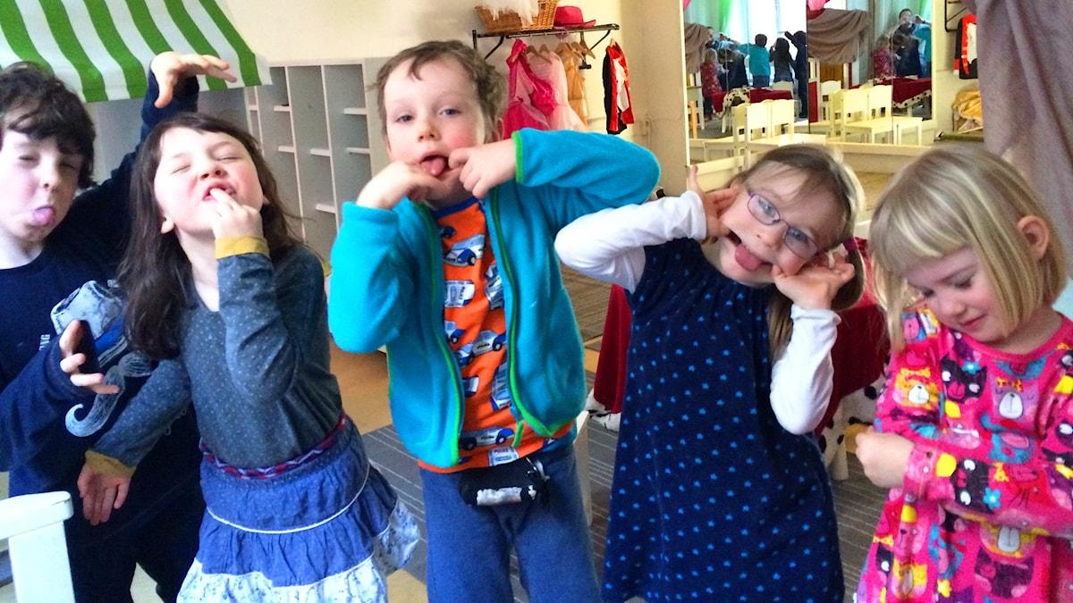 Lapsia Urvädersgrändin esikoulusta