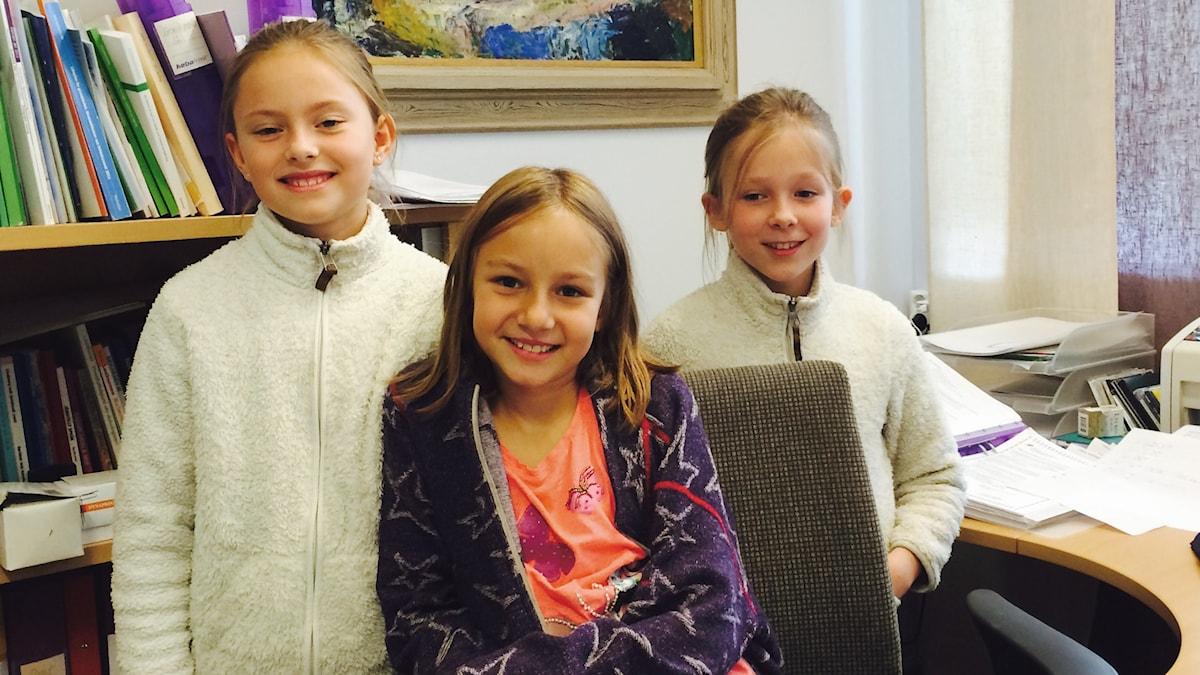 Sofia, Inda ja Heta rehtorin kansliassa