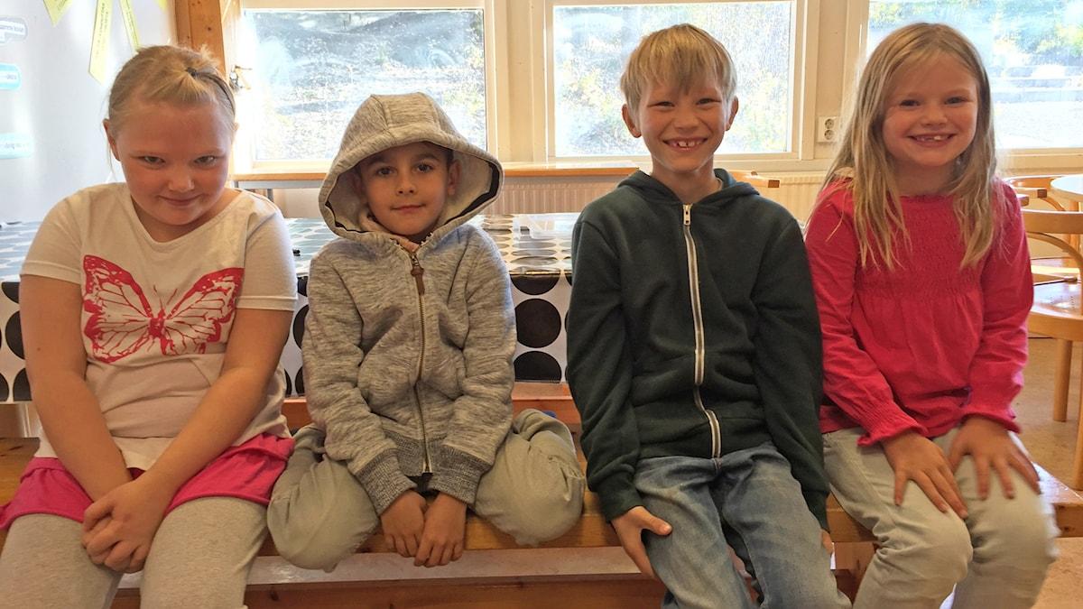 Kuvassa haastateltavat lapset Fiona, Vincent, Hector ja Olivia