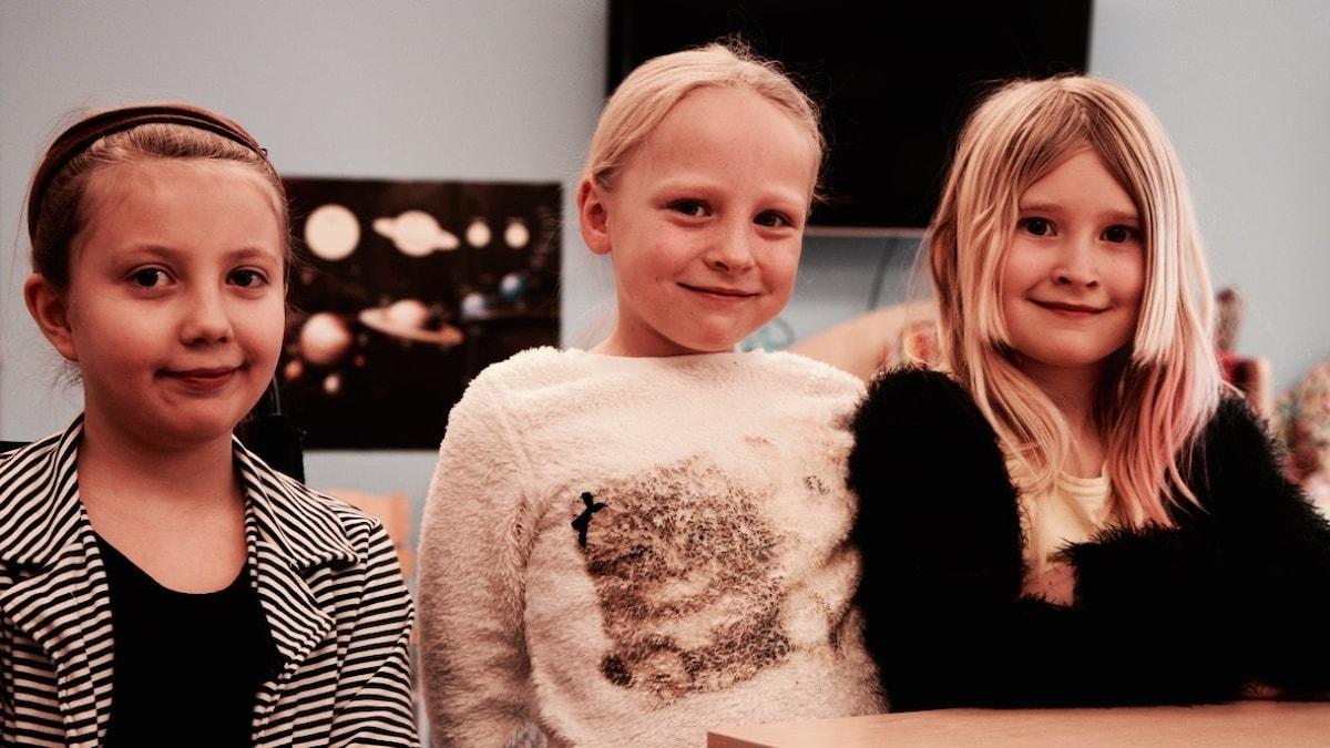 Kuvassa Lorena, Isabella ja Linn.