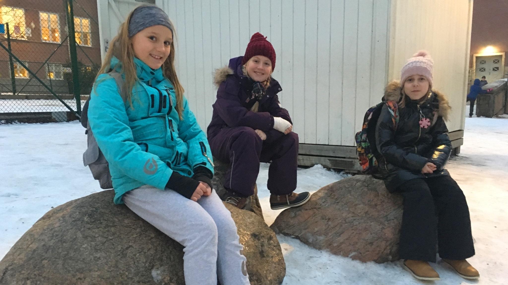 Tyttöjen lumileikit
