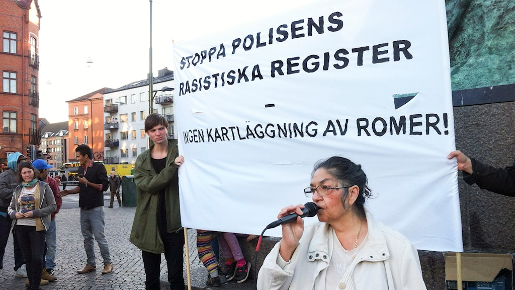 En protest i Malmö i september 2013 mot polisens registreringar av romer. Foto: Erika Oldberg/TT