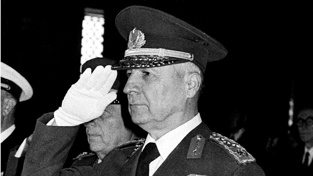 Turkiske kuppledaren Kenan Evren i en bild från 1980. Foto: AP Photo/Burhan Ozbilici