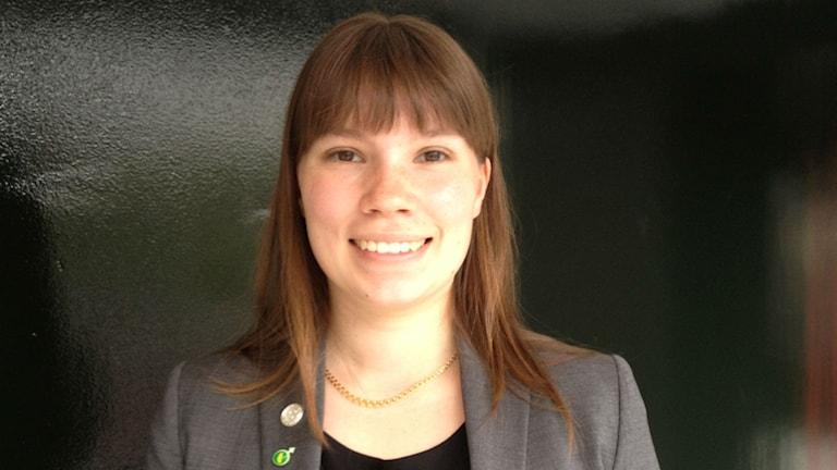 Annika Hirvonen, vice ordförande i justitieutskottet, vill se en attitydförändring gentemot hbtq-personer. Foto: Siri Hill/Sveriges Radio