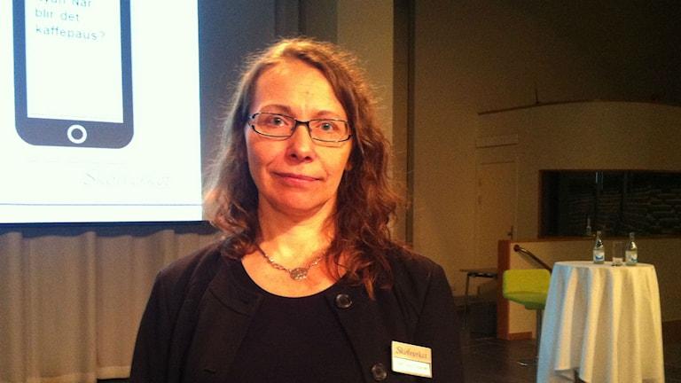 Pille Pensa Hedström vid Skolverket tycker att mottagandet av nyanlända elever måste bli bättre. Foto: Kenadid Mohamed/Sveriges radio