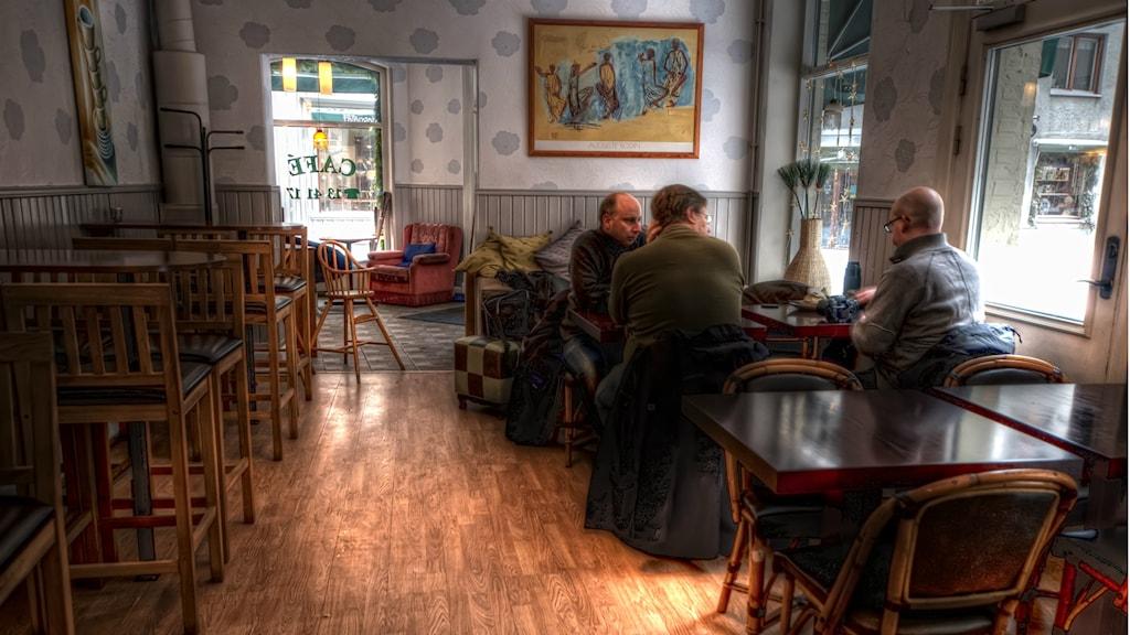 Diskussion på kafé. Foto: Erik Söderström/Flickr.com/CC BY 2.0