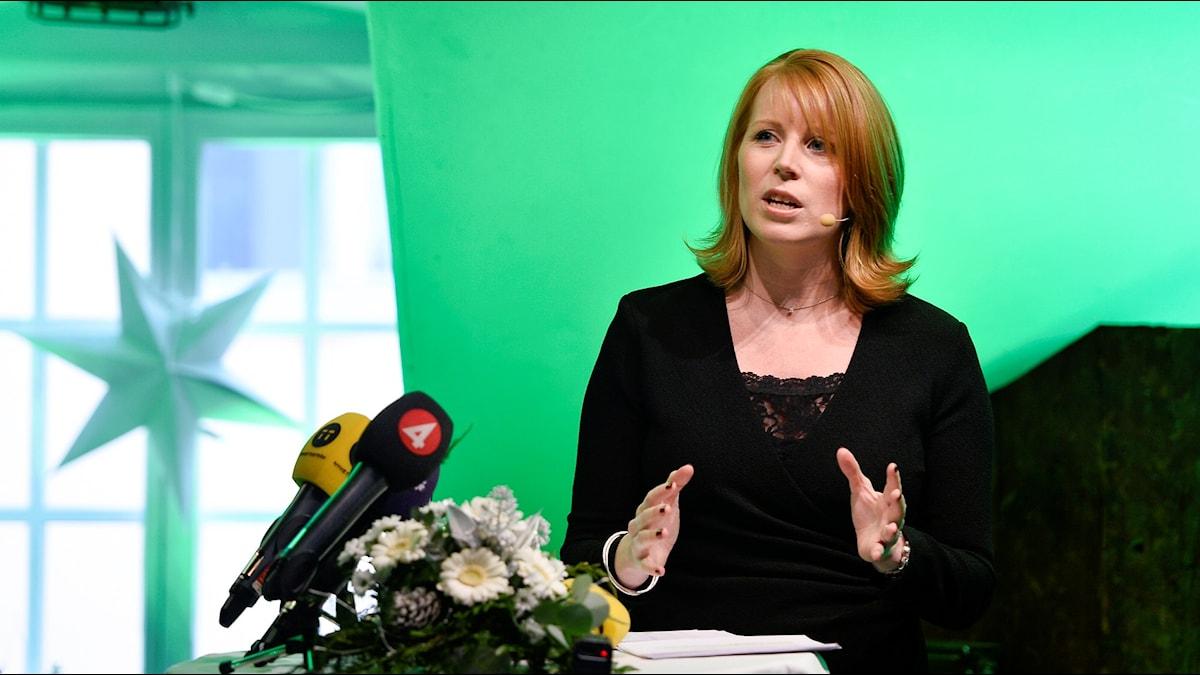 Centerpartiets ledare Annie Lööf håller ett jultal. Foto: Anders Wiklund / TT