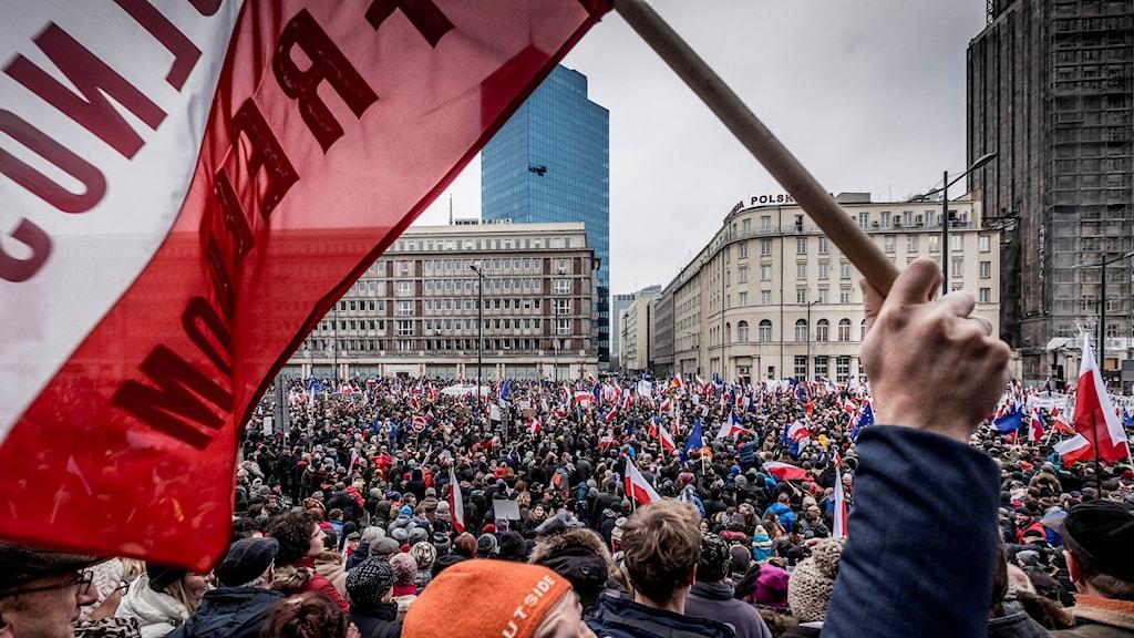 Regeringskritisk demonstration i Warzawa, Polen.