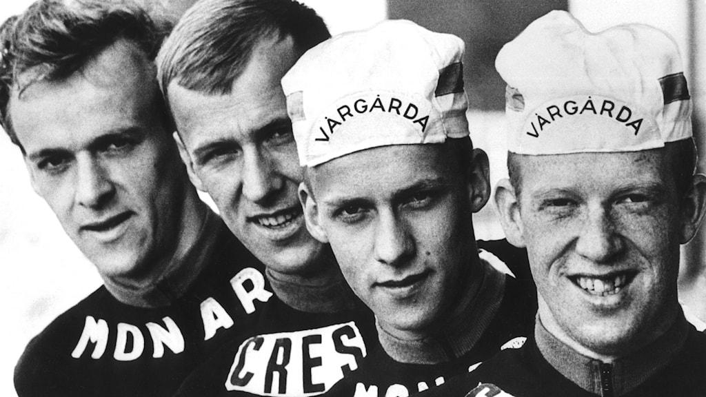 Bröderna Fåglum, cyklistfamilj. Här uppradade (fr.v.) Gösta, Sture, Tomas, och Erik. Foto: TT