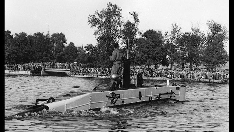 """Den svenska miniubåten """"Spiggen"""".  EX brittisk byggd 1954 Vickers-Armstrong,  Barrow.  16,4m bredd 1,9m. Diesel-elektrisk, 7 - 9 knop.  Besättning 5 man.  Utrangerad 1972  Finns bevarad på Imperial War Museum, Duxford, GB. Foto: SVT Bild"""