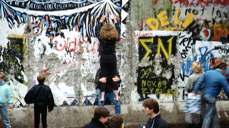 Berlinmuren 1989. Foto: Raphaël Thiémard /Flickr/http://bit.ly/1u362zW/CC BY 2.0