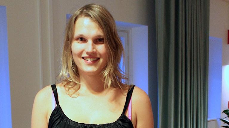 Vi pratar med Aleksa Lundberg, dramatiker och transaktivist. Foto: Minna Grönfors / Sveriges Radio