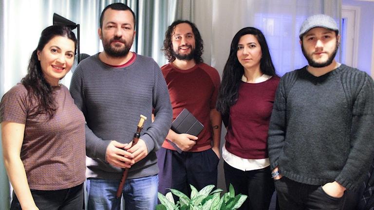 Hakan Vreskala, Berrin Sahin, Helin Sahin, Turgay Özdemir och Mahir Deniz i bandet Bir. Foto: Ronnie Ritterland / Sveriges Radio