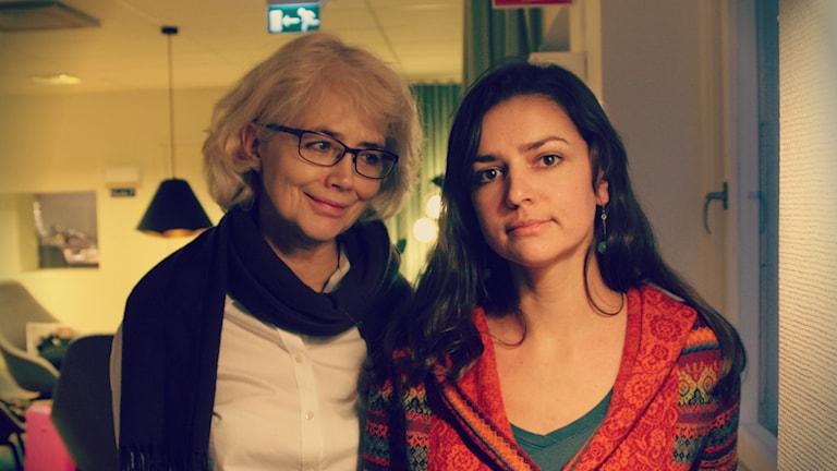 Marika Lagercrantz och Poeten Ljubov Jakymtjuk. Foto: Ronnie Ritterland / Sveriges Radio