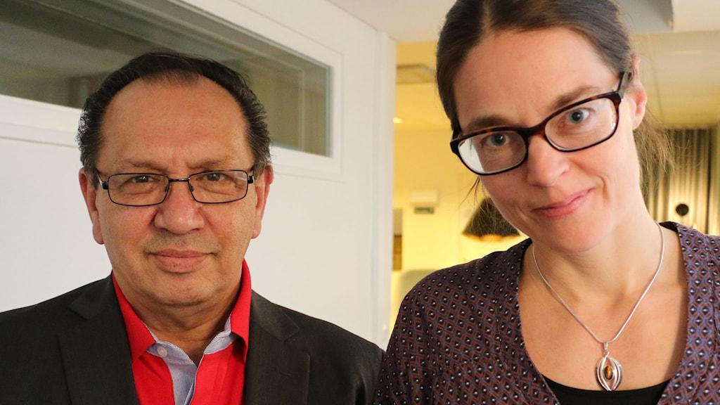 Fred Taikon, ordförande för romska kulturföreningen É Romani Glinda, och Lotta Fernstål som är projektledare på Historiska museet. Foto: Ronnie Ritterland / Sveriges Radio