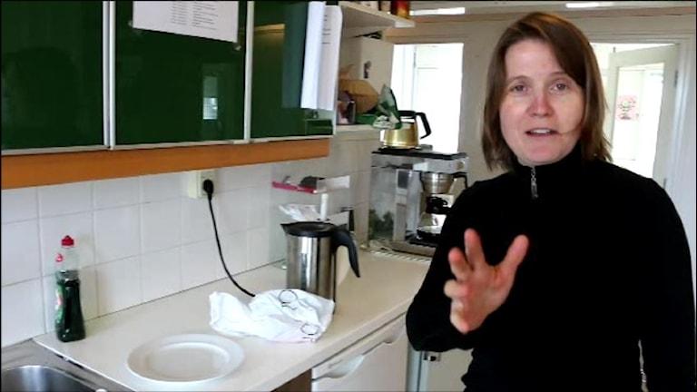 Louise Epstein har förstås ett eget förslag på hur problemen kan lösas. Foto: Ronnie Ritterland / Sveriges Radio.