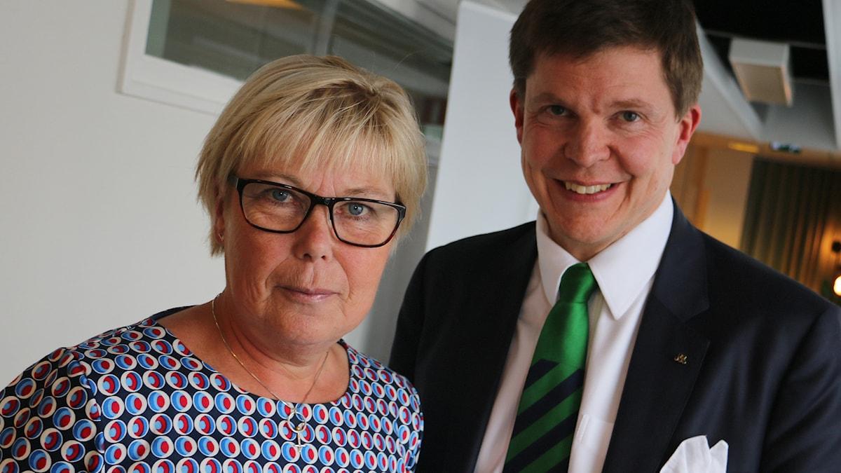 Andreas Norlén (M), ordförande i konstitutionsutskottet, Berit Högman (S) vice gruppledare för socialdemokraterna. Foto: Ronnie Ritterland / Sveriges Radio