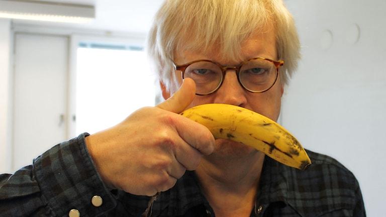 Thomas Nordegren vill äta kött minst en gång i veckan för att inte bli olycklig. Foto: Ronnie Ritterland / Sveriges Radio