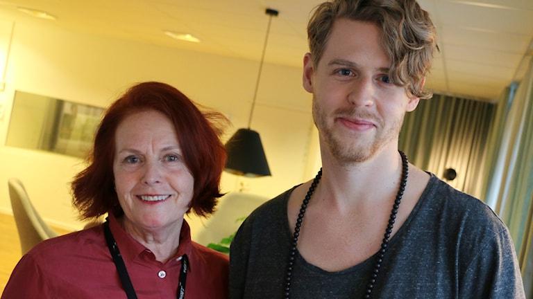 Maria Taube, intendent Moderna Museet och Adam Wallenberg, museipedagog kommer till studion. Foto: Alfred Wreeby / Sveriges Radio