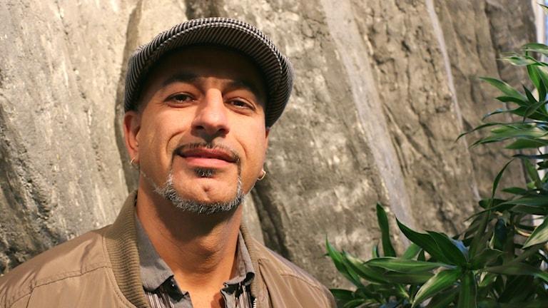 Ebrahim Nikkhah-Dehkordi, Beredskapspolisföreningen, gästar programmet. Foto: Ronnie Ritterland / Sveriges Radio