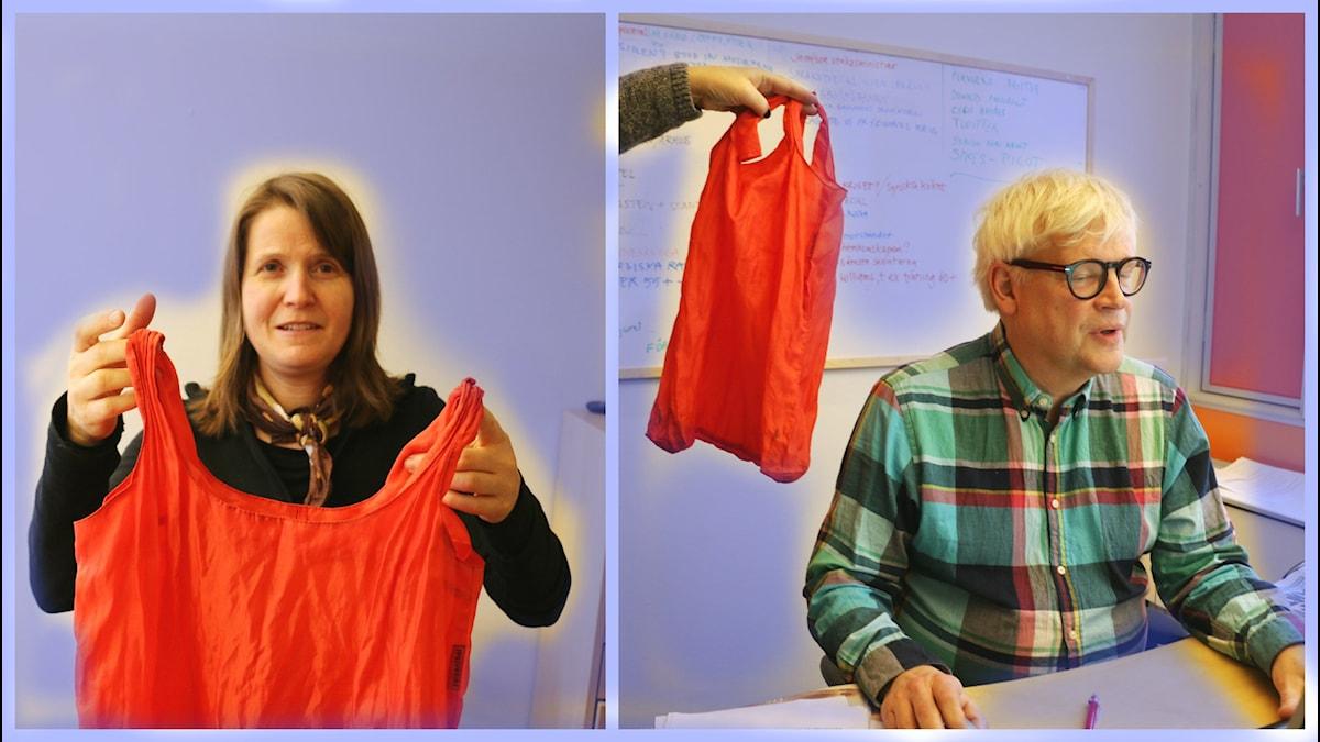 Louise Epstein och Thomas Nordegren undersöker en bärkasse i nylon. Foto: Ronnie Ritterland / Sveriges Radio