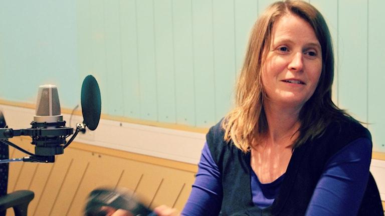 Louise Epstein i Nordegren & Epsteins i P1:s studio.
