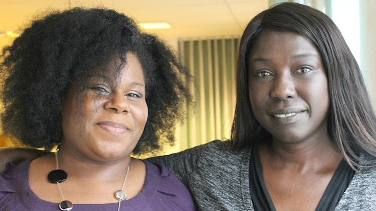 Anni Winnersjö och Victoria Kawesa pratar svarta skönhetsideal. Foto: Estrid Bengtsdotter/Sveriges Radio