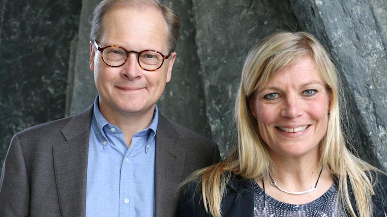 SVT:s politiske kommentator Mats Knutsonoch organisationskonsulten Anna Gulliksen medverkar i Nordegren & Epstein i P1.