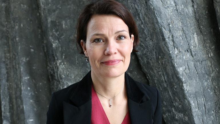 Porträttbild på Lena Rydén, specialist modern konst, Bukowskis som gästar Nordegren & Epstein i P1.