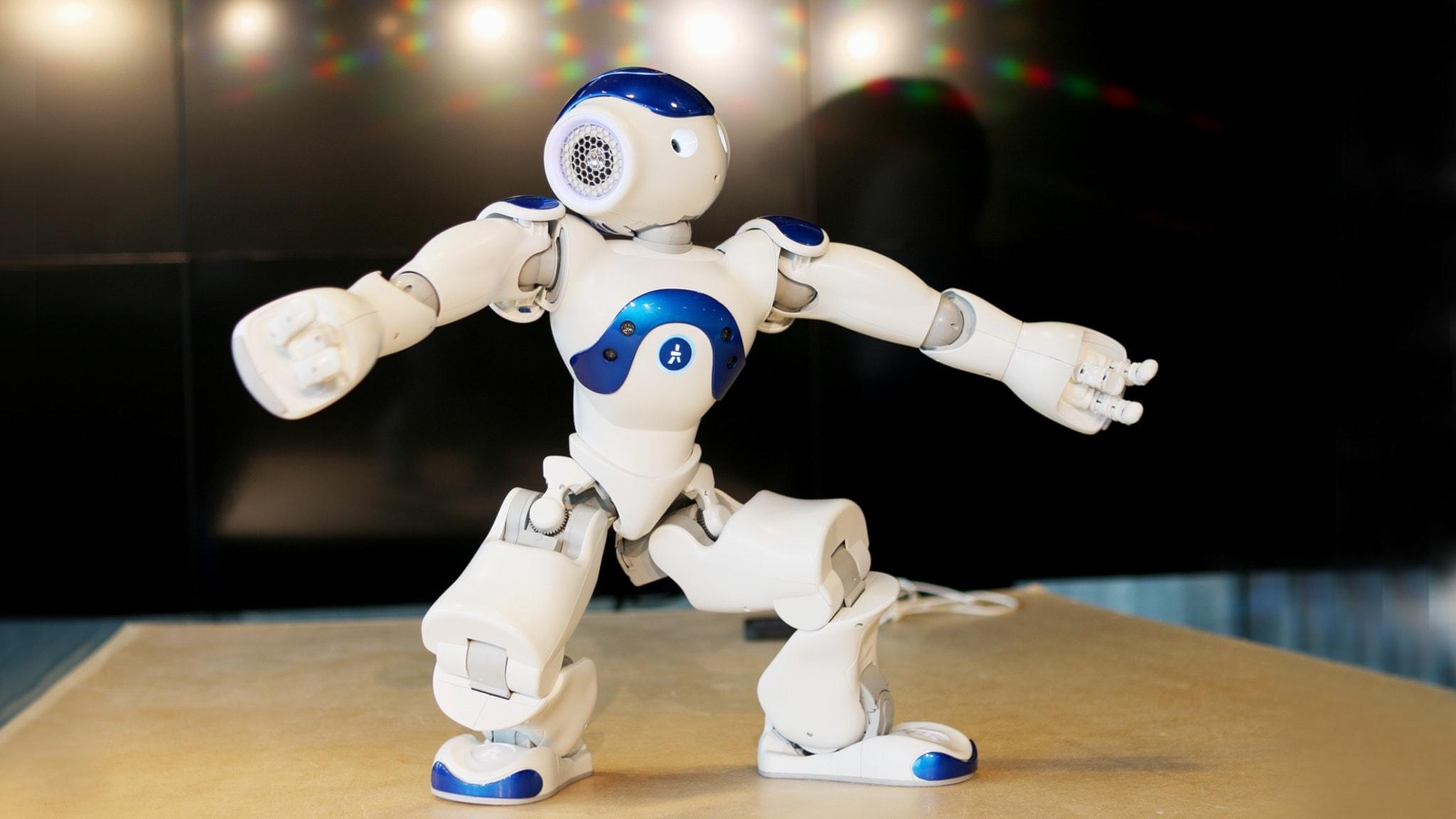 Dansande roboten på plats på scen i Nordgren & Epstein