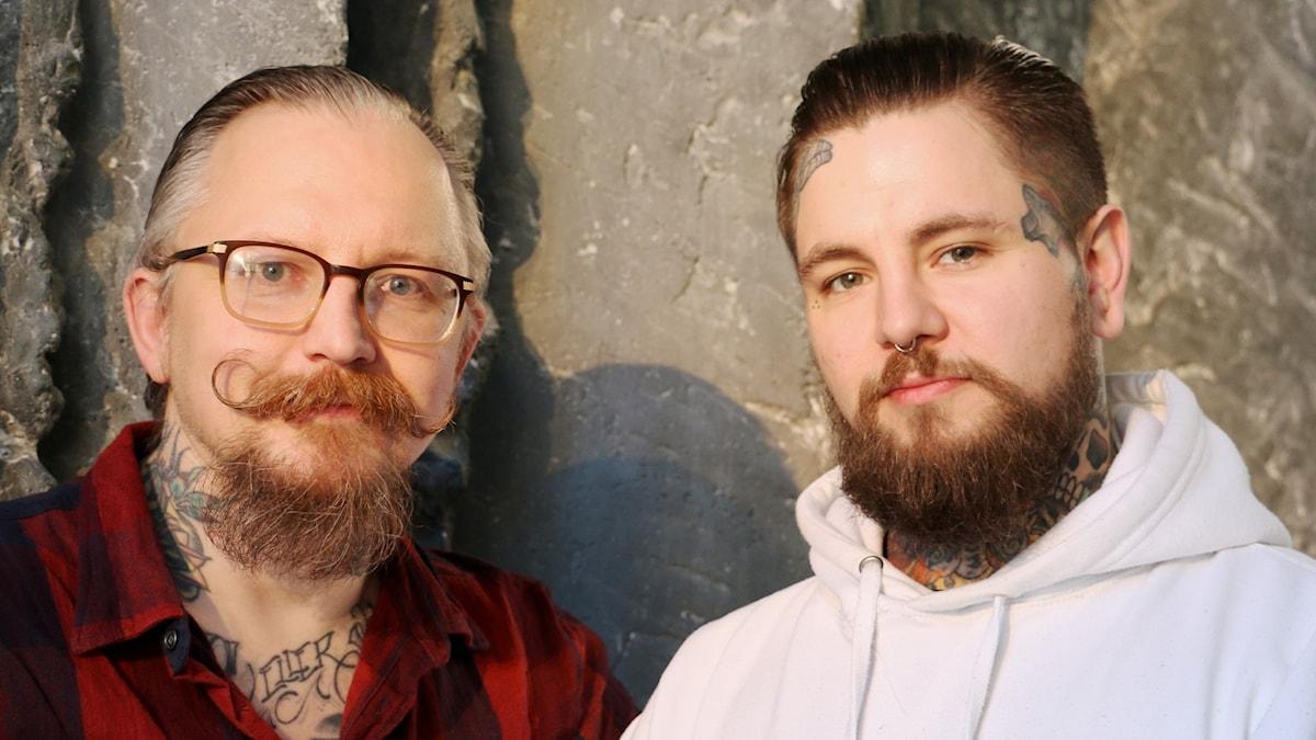 Peter Svensson och Emil Petterson, tatuerare på Porky Royale, gästar studion.