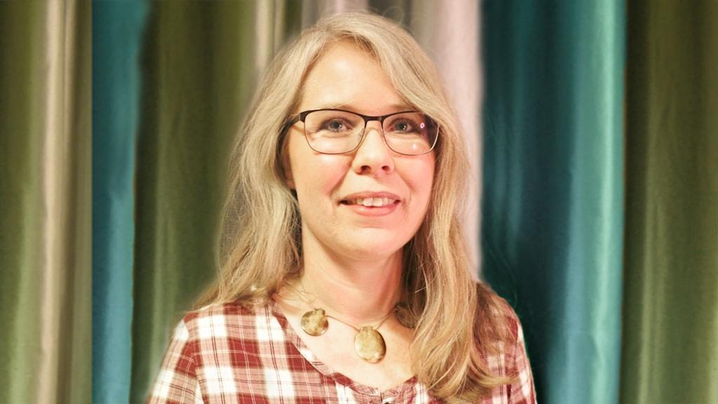 Lotta Ederth som är språkvårdare på både Sveriges Radio och SVT