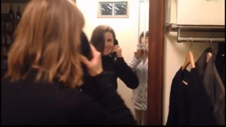 Louise Epstein och telefon