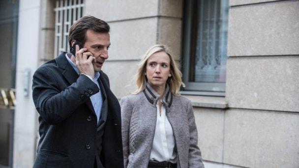 Falsk identitet. Hyllad serie där vi följer agenterna inom den hemligaste avdelningen inom den franska underrättelsetjänsten.