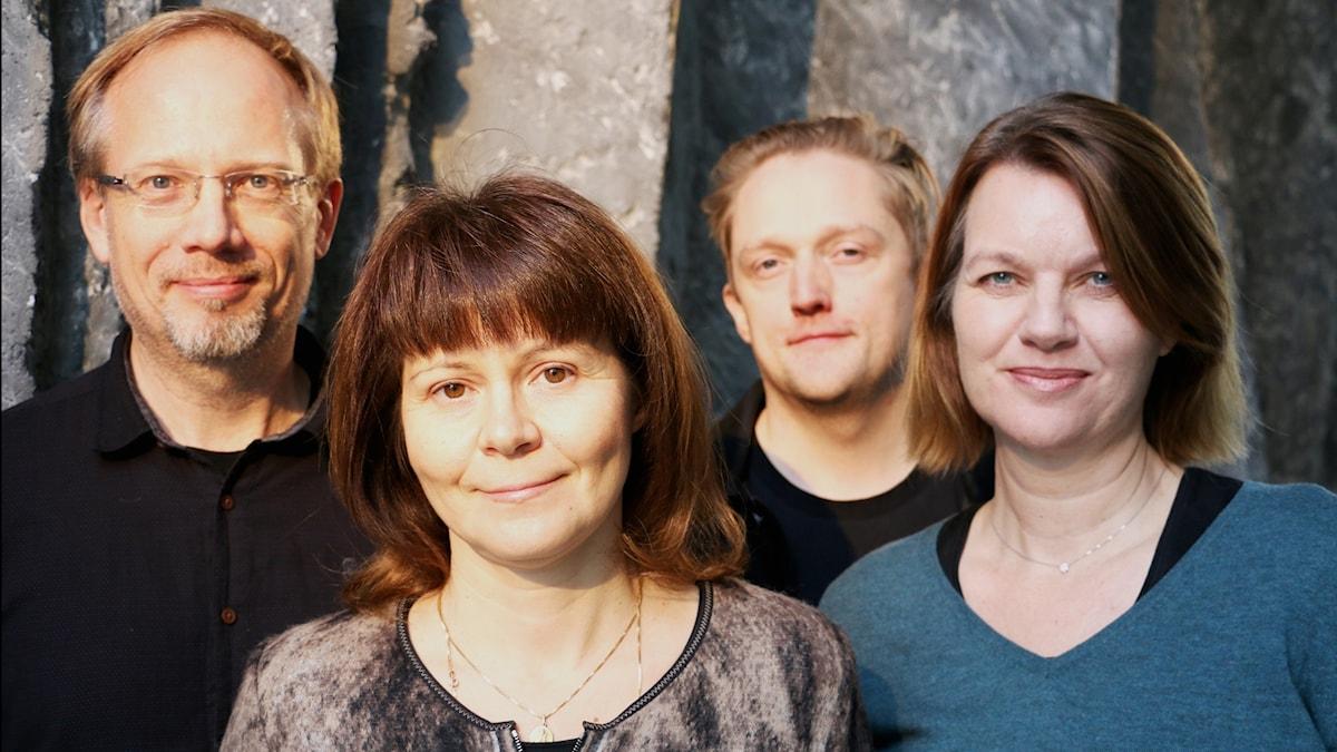 Lars David Nilsson,  Pianist, Victoria Borisova-Ollas, Kompositör, Linus Fellbom, Regissör och Katarina Leoson, Operasångare, gästar studion.
