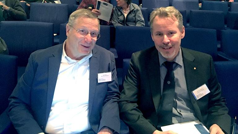 Martin jakobsson med professor Larry Mayer från University of New hampshire, två av forskarna bakom Seabed 2030 som ska kartlägga världens havsbottnar.